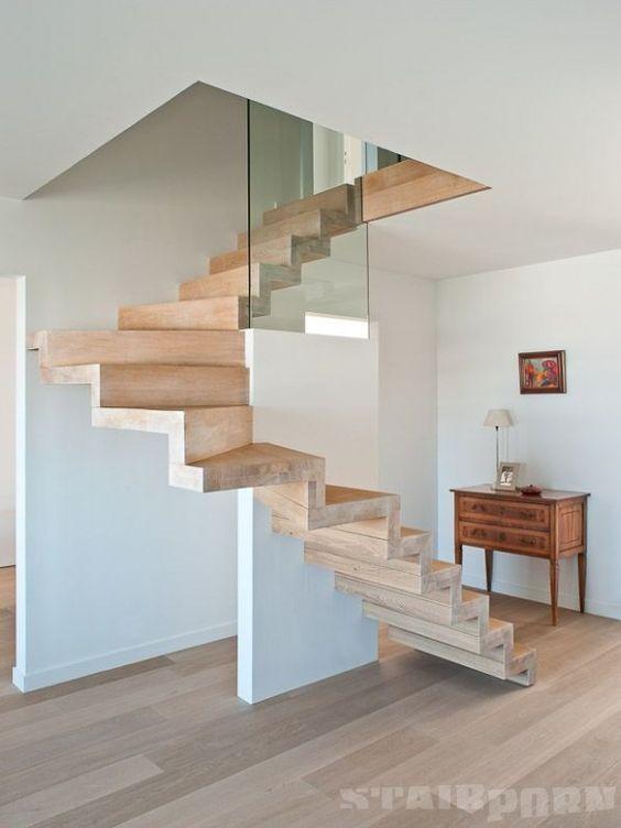 escalier en chêne massif
